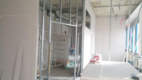 Einblick in die Baustelle während des Umzugs - Facharzt Dr. Thieß Potsdam