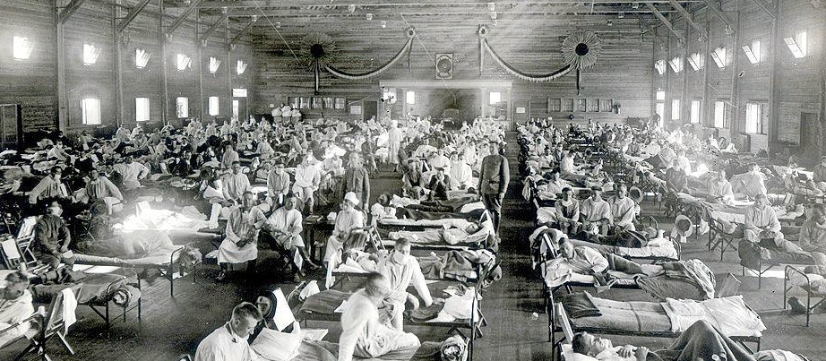 Grippe-Patienten in den USA (1918) in einer Notaufnahme in Kansas.